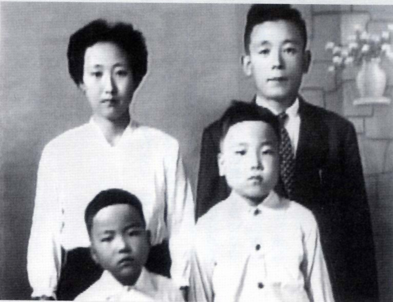 zainichi korean This study analyzes the process of creation of identity in post-korean war generations, trying to understand what role does social capital play in this process and noting how the korean.